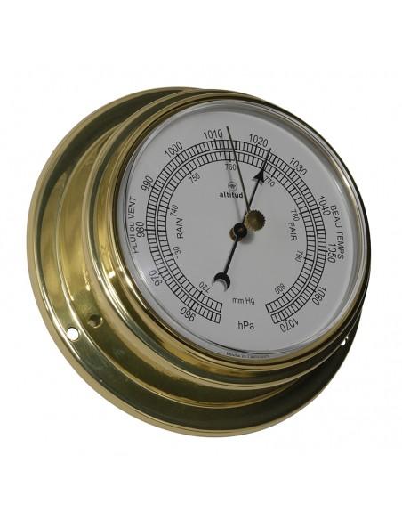 <p><span>Eenprachtige scheepsbarometer van Altitude <span>gemaakt van een hoog kwaliteit messing</span>. Door de messing behuizing kan de barometer gemakkelijk opgehangen en vastgemaakt worden op verschillende plekken in de boot of woonkamer. Deze barometer heeft een Engelse uitvoering en heeft een garantie van 3 jaar na de aankoopdatum. <br /><strong>Afmetingen:</strong> 125 mm doorsnede, 50 mm diepte <strong>Materiaal:</strong> messing, acryl glas (pmma)<br /></span></p>
