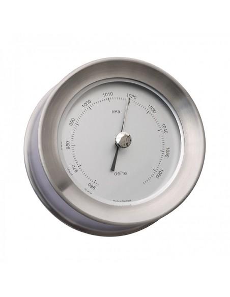 <p>Deze mooie barometer is gemaakt van mat rvs met witte wijzerplaat en is afkomstig van het exclusieve merk Delite. De Zealand barometer heeft een hPa indeling die meet de luchtdruk bijvoorbeeld bij jou in huis of boot! Echt een barometer die gezien mag worden door zijn prachtige uiterlijk! <br /><strong>Afmetingen: </strong>110 mm doorsnede / 45 mm diepte <strong>Materiaal:</strong> mat rvs</p>