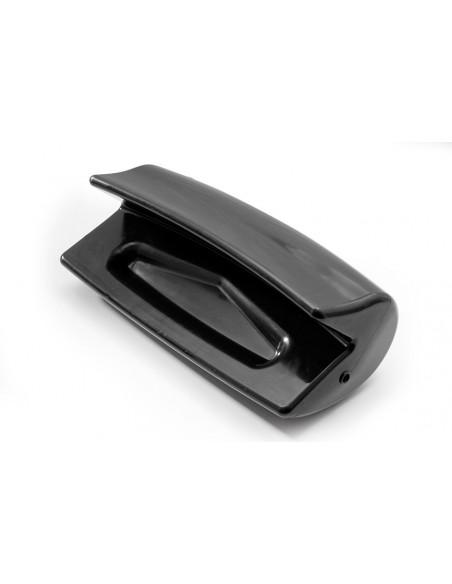 <p>Deze achtersteven beschermer Match 80 van Ocean zorgt voor een goede bescherming van je boot! De stootwil en of fender is gemaakt van polyurethaan en heeft een lange levensduur. Deze fender en of stootwil is geschikt voor zwemplatformen vanaf 15 cm. De touwen zijn bij dit type fender niet inbegrepen. <br /><strong>Afmetingen:</strong> 66 x 28 x 24 cm <strong>Kleur:</strong> navy</p>