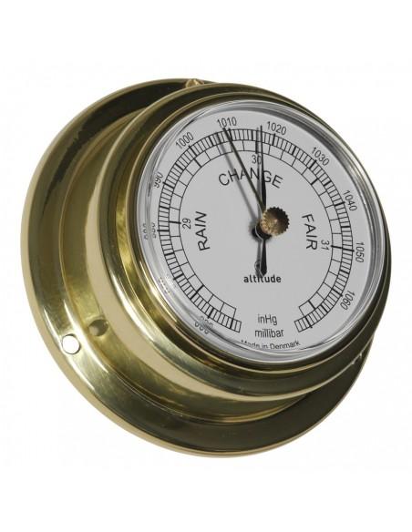 <p><span>De Altitude barometer met engelse uitvoering is een verfijnd stukje techniek dat niet mag ontbreken op je boot! De barometer is geproduceerd in Denemarken door Delite. De behuizing is gemaakt van hoogwaardige kwaliteit messing en hoogwaardig acryl glas. Deze barometer is 'front loaded' voor een gemakkelijke toegang. <br /><strong>Afmetingen: </strong>95 mm doorsnede / 40 mm diepte <strong>Materiaal:</strong> messing / acryl glas (pmma)<br /></span></p>