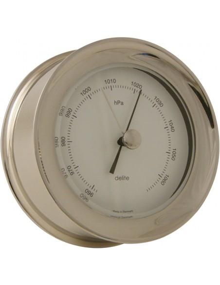 <p>Een barometer die gezien mag worden! De barometer van de stijlvolle Zealand collectie van het merk Delite is een echt kwaliteitsproduct. Deze barometer is zeer geschikt om de luchtdruk in je boot of huis te meten en de barometer ziet er ook nog eens prachtig uit door het stijlvolle ontwerp. <br /><strong>Afmetingen: </strong>110 mm doorsnede / 45 mm diepte <strong>Materiaal:</strong> glanzend rvs</p>