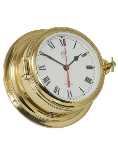 <p>Zeer mooie klok met een quartz uurwerk met glazen slaand, patrijspoort en de behuizing is gemaakt van glanzend messing. De wijzerplaat van de klok is Romeins en wit, en daardoor is hij gemakkelijk leesbaar. Deze luxe quartz klok komt uit de Midi 155 serie van Schatz 1881 en heeft 3 jaar garantie vanaf de aankoopdatum. <br /><strong>Afmetingen:</strong> 155 mm doorsnede / 70 mm diepte <strong>Materiaal:</strong> glanzend messing</p>