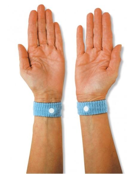 <p>De oplossing tegen zeeziekte, wagenziekte of luchtziekte! Deze polsbandjes zijn een effectief middel tegen misselijkheid ze zijn werkend door acupressuur op de polsen en werken al na 2 tot 5 minuten! De bandjes moeten hierbij allebei gedragen worden, deze passen altijd omdat ze zijn gemaakt van elastisch materiaal. Is geschikt voor kinderen en volwassenen, ze worden per paar geleverd.</p>